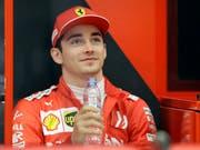 Charles Leclerc sichert sich in Bahrain seine erste Pole-Position der Karriere (Bild: KEYSTONE/AP/LUCA BRUNO)