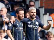 Bernardo Silva (links) und Sergio Agüero schossen Manchester City mit ihren Toren zum 2:0 gegen Fulham (Bild: KEYSTONE/AP/ALASTAIR GRANT)