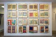 Taschentücher in modischem Design: Diese Musterbücher der Firma Huber-Lehner rettete die Kuratorin Birgit Langenegger vor einem Jahr vor der Entsorgung. (Bild: PD)