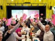 Die Delegierten der SVP Schweiz folgten dem Antrag des Parteivorstandes und beschlossen am Samstag Stimmfreigabe für die AHV-Steuervorlage. (Bild: KEYSTONE/GIAN EHRENZELLER)