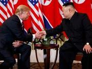 Übergabe der Atomwaffen: US-Präsident Donald Trump gab bei dem Treffen mit Nordkoreas Diktator Kim Jong Un in Hanoi unmissverständlich zu verstehen, was er unter Denuklearisierung der koreanischen Halbinsel verstehe. (Bild: KEYSTONE/AP/EVAN VUCCI)