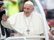 Papst Franziskus besucht am Wochenende das nordafrikanische Land Marokko. Er will dort auch das Thema Flüchtlinge ansprechen. (Bild: KEYSTONE/EPA EFE/BIENVENIDO VELASCO)