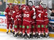 Wer jubelt nach dem dritten Halbfinalspiel zwischen Zug und Lausanne? (Bild: KEYSTONE/LAURENT GILLIERON)