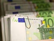 Auf Teneriffa haben Ermittler «die aktivste Falschgeld-Druckerei Spaniens» ausgehoben. (Bild: KEYSTONE/MARTIN RUETSCHI)