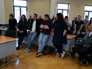 Angespannte Gesicher bei der SP während der Verkündung. (Bild: Nicole D'Orazio