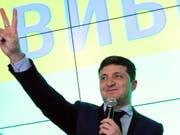 Mit Abstand die meisten Stimmen hat der Komiker Wolodimir Selenski geholt (Bild: KEYSTONE/EPA/STEPAN FRANKO)