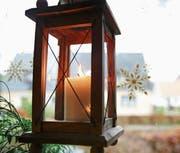 Es blieb unklar, ob die Kerze in der Laterne den Brand verursacht hat. (Bild: Keystone/Mascha Brichta)