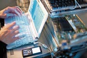 Bei Ransomware werden Daten verschlüsselt und erst gegen eine Lösegeldzahlung wieder freigegeben. (Bild: Symbolbild: Keystone/Gaetan Bally)