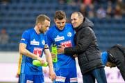 FCL-Trainer Thomas Häberli (rechts) während dem Cup-Viertelfinal gegen YB zusammen mit seinen Spielern Pascal Schürpf (Mitte) und Christian Schneuwly. (Bild: Martin Meienberger/Freshfocus (Luzern, 6. März 2019))