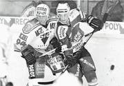 Am 24. Februar 1998 besiegte der HC Thurgau (Bruno Vollmer, links) den EHC Olten 6:3 und erreichte zum bislang letzten Mal den Playoff-Halbfinal. (Archivbild: Mario Gaccioli)