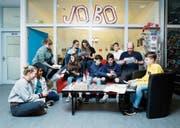 Die Jugendlichen und Studenten bei den Vorbereitungen zum Start der Jobbörse. (Bild: Stefan Kaiser (Rotkreuz, 5. März 2019))