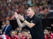 Nationaltrainer Michael Suter kann auf seine Spieler stolz sein (Bild: KEYSTONE/URS FLUEELER)