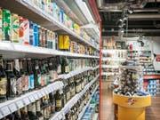 Der Detailhandel in der Schweiz war im Februar 2019 erneut rückläufig. (Bild: KEYSTONE/CHRISTIAN BEUTLER)