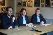 David Roth, Priska Lorenz und Jörg Meyer erklären den Entscheid. (Bild: Nadia Schärli)
