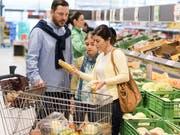 Die Inflation in der Eurozone ist im März überraschend gesunken. (Bild: KEYSTONE/CHRISTIAN BEUTLER)