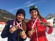 Freuen sich über die beiden goldenen Auszeichnungen: Alessia Bösch (links) und Jasmin Mathis.Bild: Margret Christen (Sörenberg, 31. März 2019)