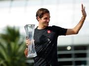 Roger Federer macht in der Weltrangliste einen Rang gut (Bild: KEYSTONE/EPA/JASON SZENES)
