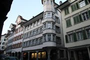 Das Bezirksgebäude an der Hauptgasse in Lichtensteig gehört seit 1979 der Ortsgemeinde. (Bild: Martin Knoepfel)