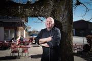 Freut sich auf die warmen Monate: Peter Fässler wirtet seit 20 Jahren im «Scheitlinsbüchel». (Bild: Benjamin Manser)
