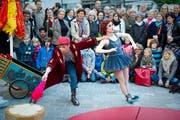 Das Strassenkunstfestival «Aufgetischt» fand erstmals 2012 im Rahmen des Gallusjubiläums statt. Am 10. und 11. Mai dieses Jahres geht bereits die achte Auflage des beliebten Anlasses über die Bühne. (Bild: Urs Bucher - 6. Mai 2012)