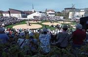Die Wettkampfarena am Kantonalschwingfest 2018 in Menzingen. (Bild: Werner Schelbert (22. April 2018))