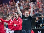 Nationaltrainer Michael Suter hatte allen Grund zur Freude (Bild: KEYSTONE/URS FLUEELER)