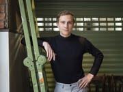 Springt auf den Serien-Zug auf: Schauspieler Max Hubacher spielt eine Hauptrolle in der geplanten SRF-Serie «Frieden». (Bild: Keystone/CHRISTIAN BEUTLER)