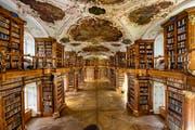 Die Stiftsbibliothek im Stiftsbezirk. (Bild: Urs Bucher)