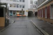 Der Velofahrer fuhr durch die Spitalgasse in Richtung Scherrerplatz als der Unfall geschah. (Bild: Stapo - 10. April 2019)