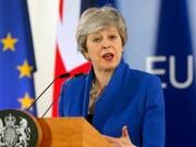 Brexit auf 31. Oktober verschoben: Die britische Premierministerin hat in der Nacht auf Donnerstag von den 27 EU-Chefs in Brüssel erneut eine Fristverlängerung erhalten, um ihren EU-Austrittsvertrag vom Parlament absegnen zu lassen. (Bild: KEYSTONE/EPA/JULIEN WARNAND)