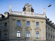 Das Regionalgericht Bern-Mittelland hat einen pädophilen Sozialtherapeuten nachträglich verwahrt. (Bild: KEYSTONE/PETER KLAUNZER)