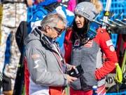 Hans Pum (links) hört im Sommer nach über 40 Jahren im österreichischen Ski-Verband auf (Bild: KEYSTONE/EPA/CHRISTIAN BRUNA)