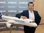 Der neue Airbus-Chef Guillaume Faury krempelt die operative Führung des europäischen Flugzeugbauers um. (Bild: KEYSTONE/AP/FRED SCHEIBER)
