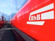 Noch nie sind so viele Leute mit der Rhätischen Bahn gefahren wie im letzten Jahr: 12 Millionen Fahrgäste transportierte das Unternehmen. (Bild: KEYSTONE/GIAN EHRENZELLER)