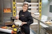 Susanne Balazs backt in ihrer «Wirkstatt Küche» in Eggersriet gluten- und laktosefreie Produkte. (Bild: Ralph Ribi)