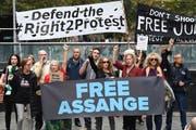 Demonstranten fordern die Freilassung von Assange. (Bild: EPA/PETER RAE, Sydney, 12. April 2019)
