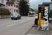 Dieses Display vor dem historischen Museum in Altdorf zeigt Lenkern ihre Lautstärke an. (Bild: Florian Arnold, 12. April 2019)