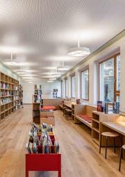 Die Bibliothek präsentiert sich alt und modern zugleich.