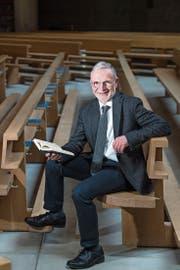 Andreas Pfister in der Pfarrkirche seines aktuellen Wirkungsorts Kägiswil. (Bild: Eveline Beerkircher (10. April 2019))
