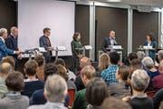 Sie debattierten über den Klimawandel: Erich Ettlin (v.l.), Alois Amstutz, Christian Isler, Rahel Ganarin, John Sieber und Sonia Seneviratne. (Bild: Izedin Arnautovic, Sarnen, 12. April 2019)