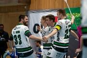 Sarner Jubel mit Marco Schöni, Jonas Höltschi, Cornel von Wyl und Roman Schöni (von links). Bild: Claudio Schwarz/unihockey-fotos.ch (Kloten, 13 April 2019)