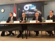 Die zehnjährige Blockade des Doppelsteuerabkommens zwischen der Schweiz und den USA scheint bald gelüftet werden zu können. Das sagte Bundespräsident Ueli Maurer (2. von rechts) am Rande der IWF-Frühjahrstagung in Washington. (Bild: Roman Elsener/Keystone-SDA)