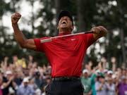 Der Schrei des grossen Siegers: Tiger Woods (Bild: KEYSTONE/AP/DAVID J. PHILLIP)