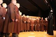 Ob als Mönche oder Soldaten – der Männerchor Oberbüren gab sowohl gesanglich als auch schauspielerisch eine gute Figur ab. (Bilder: Christof Lampart)