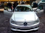 Bei Daimler soll es eine Software zur Manipulation von Abgaswerten gegeben haben. (Bild: KEYSTONE/SANDRO CAMPARDO)