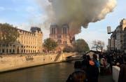 13 Millionen Touristen und Gläubige besuchen jährlich das Notre Dame. Es ist die meistbesuchte Attraktion in Paris. (Bild: KEY)