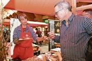Die Käsetage Toggenburg vom Freitag bis Sonntag in Wattwil lockten viel Publikum an. Gerne wurden die Köstlichkeiten an den verschiedenen Ständen degustiert. (Bild: PD)