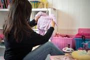 Aus Geldnot musste Nina ihre Tochter damals im Alter von sechs Monaten zu Pflegeeltern geben – aber irgendwann möchte sie selbst für ihr Kind sorgen können. (Bild: Ralph Ribi)