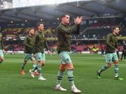 Granit Xhaka (im Vordergrund) gab nach gut zweiwöchiger Pause wegen einer Leistenverletzung sein Comeback bei Arsenal (Bild: KEYSTONE/EPA/NEIL HALL)