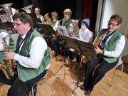 Der Musikverein Dallenwil am Konzert mit Unterstützung durch die Musikschüler aus dem Engelbergertal. (Bild: PD)